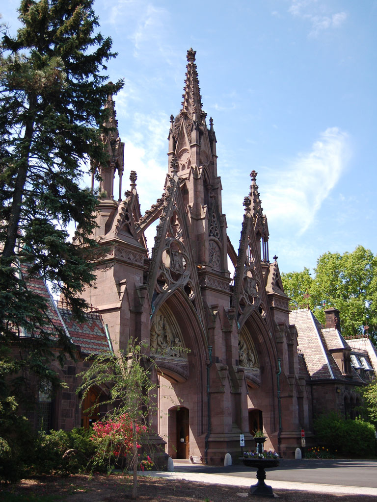 Green-Wood Cemetery: The Most Beautiful Cemetery I've Ever Seen!
